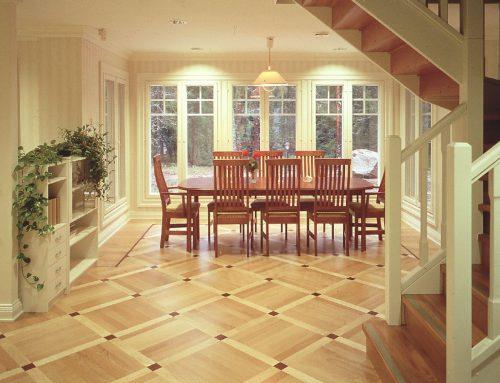 Vollflächig geklebter Parkettboden – Holz zeigt Charakter