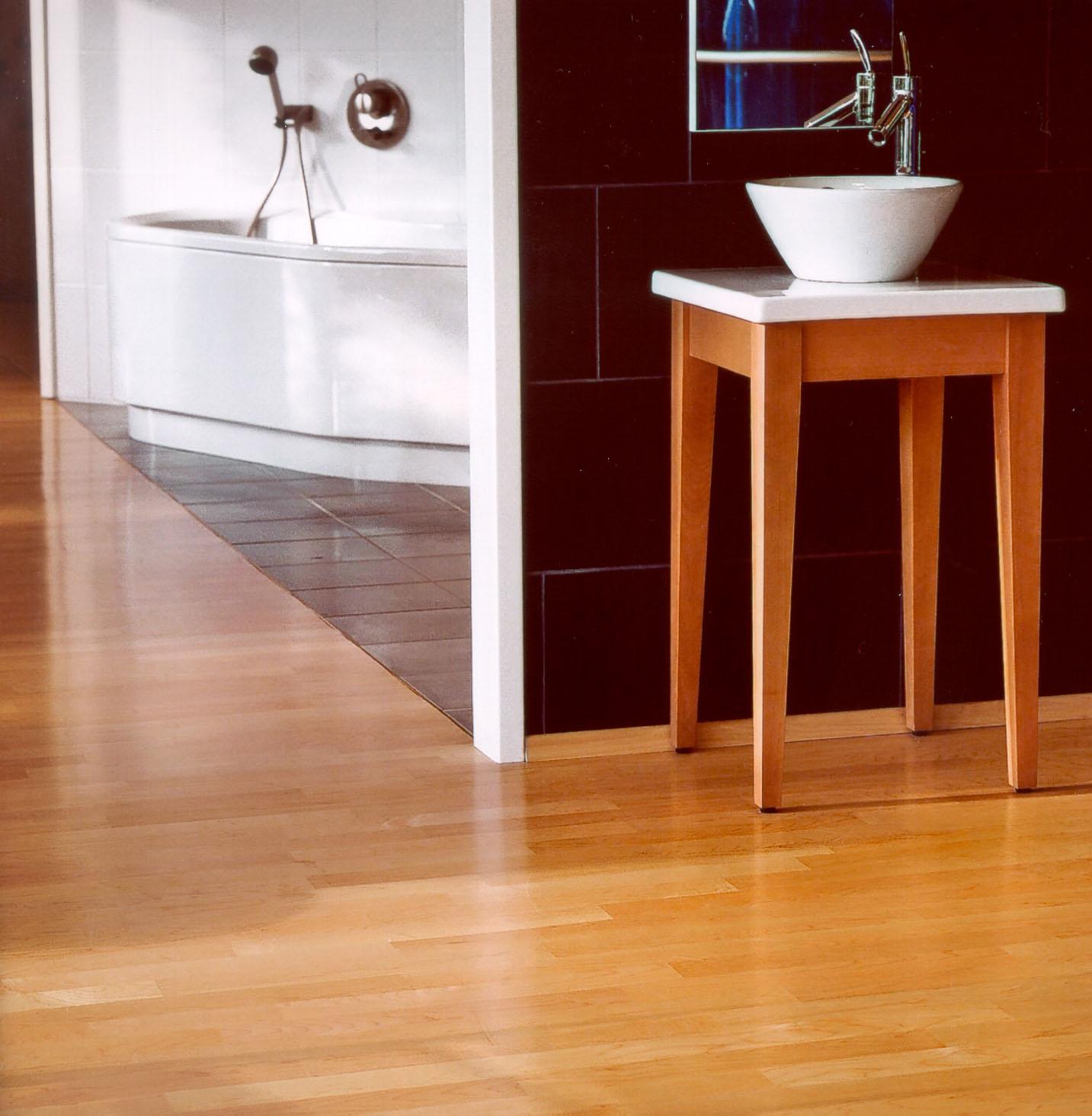individuelle fu bodengestaltung mit vollfl chig geklebtem parkett der unterschied liegt im. Black Bedroom Furniture Sets. Home Design Ideas